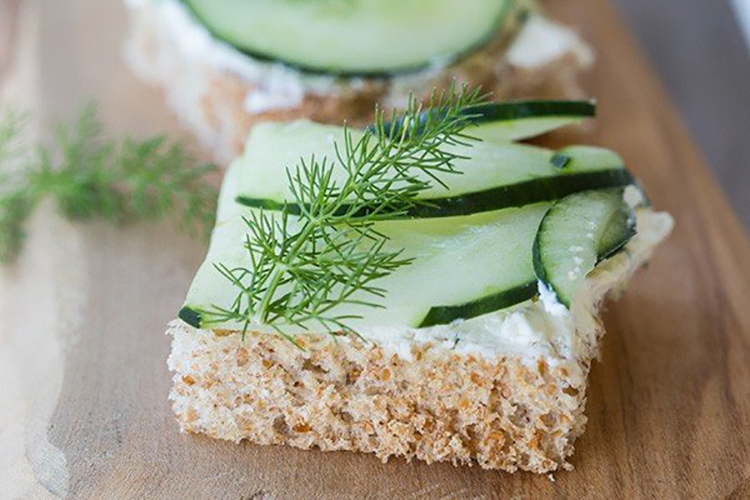 Cucumber-and-Cream-Cheese-Sandwiches