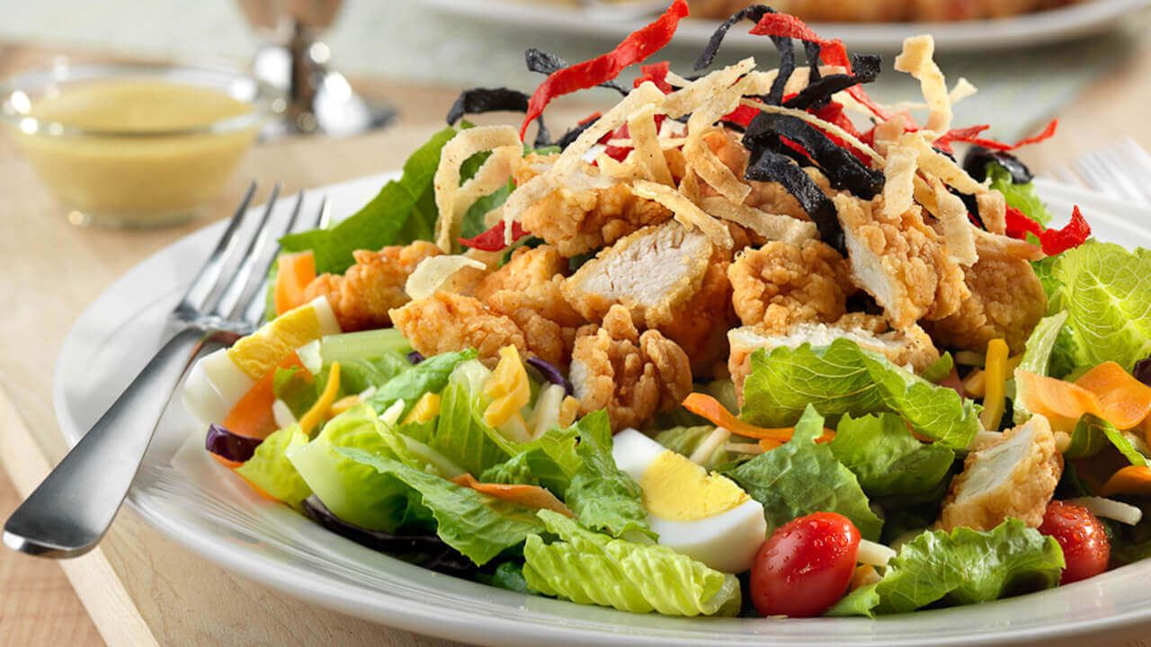 lunch-dinner_soups-salads_crispy-chicken-salad